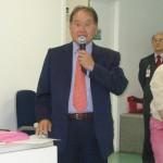 O Presidente Renato Ishikawa do Hospital Santa Cruz dá as boas vindas aos alunos